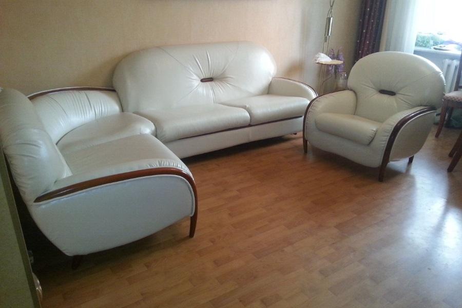 Перетяжка кожанного дивана и креслел №6